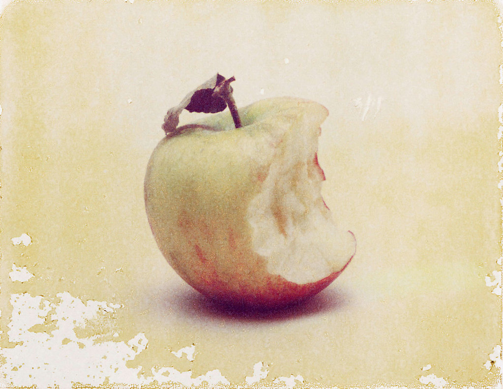 Apfel angebissen