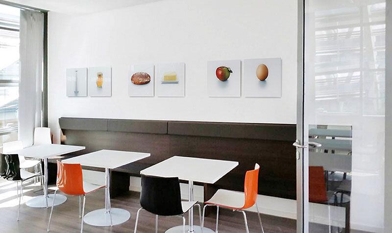 """Kunst im Unternehmen aus der Serie """"SPRICHWÖRTER"""" für die Cafeteria der Kanzlei Dr. Beck und Partner in München"""